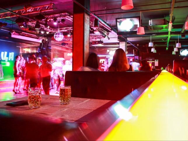 Ночной клуб черепица калининграде работа барменом в фитнес клубах москвы